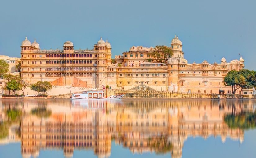Book the Most Luxurious Golden Triangle of India Tour Package & Unlock Exciting Offers